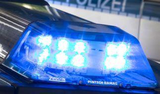 In einem Magdeburger Mehrfamilienhaus wurde die Leiche eines 57-jährigen Mannes entdeckt. Die Polizei geht von einem Tötungsdelikt aus (Symbolbild). (Foto)