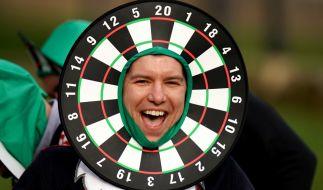 Beim World Matchplay 2020 müssen die Darts-Superstars auf die Unterstützung von Fans verzichten - das Turnier in Milton Keynes findet ohne Publikum statt. (Foto)