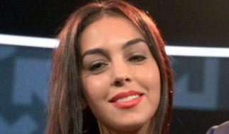 Georgina Rodríguez lüftet ihre prallen Po-Backen. (Foto)