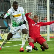 Auto abgefackelt! Bundesliga-Star (22) brutal verprügelt (Foto)