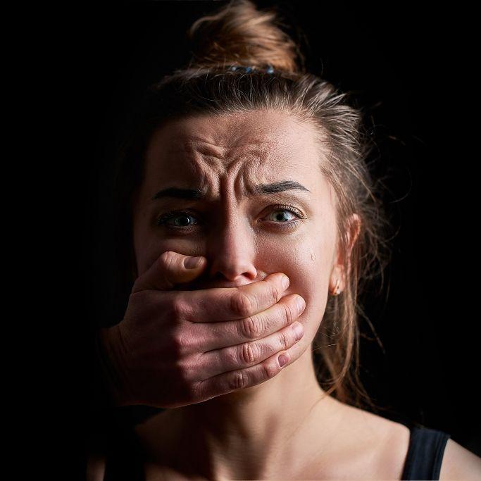 """Mit """"Vergewaltigungsset""""! """"X Factor""""-Star wegen Missbrauchs von 9 Frauen im Gefängnis (Foto)"""
