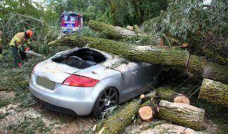 Ein heftiges Unwetter hat in Teilen Bayerns am Dienstag für zahlreiche Einsätze von Polizei und Feuerwehr gesorgt. (Foto)