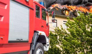 In Neunkirchen wurden die Leichen eines Lehrerpaares nach einem Hausbrand gefunden. (Symbolfoto) (Foto)