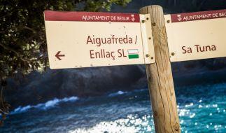 An der spanischen Costa Brava, unweit von Aiguafreda und Sa Tuna, ist ein acht Jahre altes Mädchen bei einem Bootsausflug tödlich verunglückt (Symbolbild). (Foto)