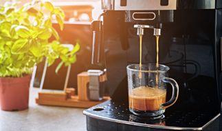 Stiftung Warentest hat 13 Kaffeemaschinen für Kapseln und Pads getestet. (Foto)
