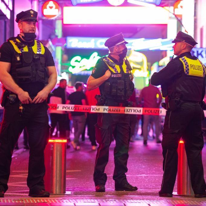 Polizei kann Reiserückkehrer mit Gewalt zum Corona-Test zwingen (Foto)