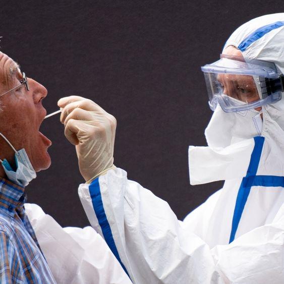 50 Infizierte nach Party - Lockdown in Heide - Malle-Urlauber in Quarantäne (Foto)