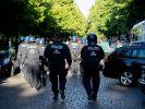 Mehrere Tausend Menschen demonstrierten in Berlin gegen die aktuellen Corona-Maßnahmen. (Foto)