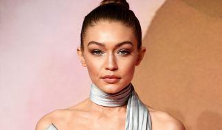 Supermodel Gigi Hadid hat für Chanel blank gezogen. (Foto)