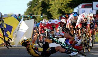 Am Mittwoch kam es bei der Polen-Rundfahrt zu einem schrecklichen Unfall. (Foto)
