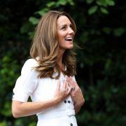Ist Herzogin Kate etwa wieder schwanger? (Foto)