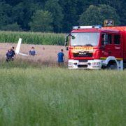 Ursache unklar! Kleinflugzeuge in der Luft kollidiert - Mann (52) tot (Foto)