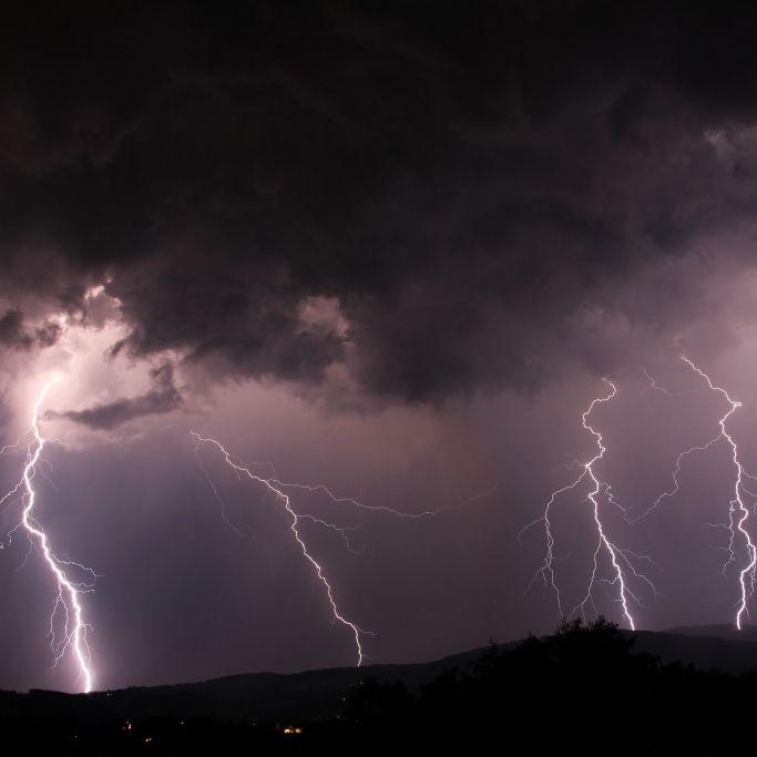 Unwetter-Front im Anmarsch! HIER herrscht Lebensgefahr (Foto)