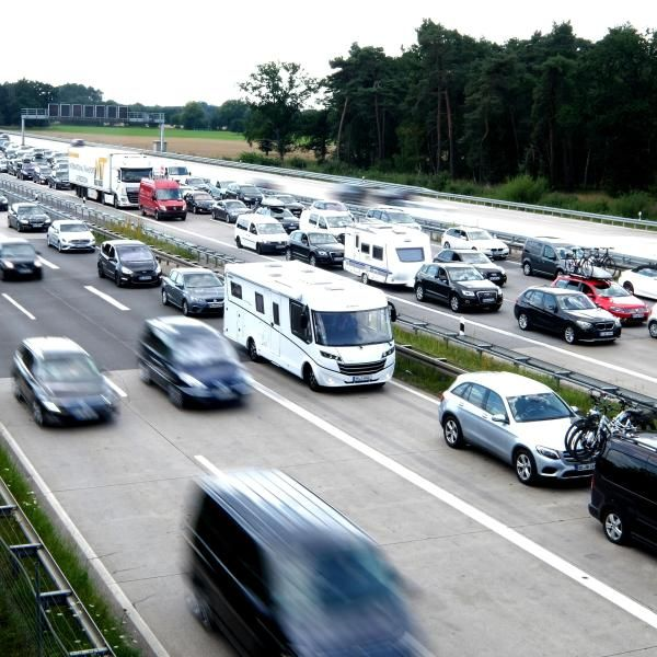 Achtung, Stau! HIER verstopfen Urlauber die Autobahnen (Foto)