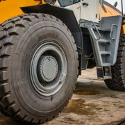Reifenexplosion! Mann verliert Hodenauf Baustelle (Foto)