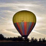 Heißluftballon mit sieben Menschen abgestürzt - ein Toter (Foto)