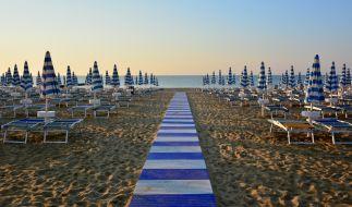 Eine 15-Jährige wurde am Strand von Lignano missbraucht. (Foto)