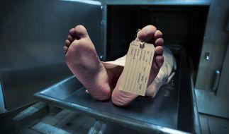 Eine 81-jährige Frau wurde in Russland fälschlicherweise für tot erklärt - und wachte wenig später in der Leichenhalle auf (Symbolbild). (Foto)
