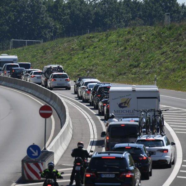 Achtung, Stau-Chaos! Urlaubsheimkehrer machen Autobahnen dicht (Foto)