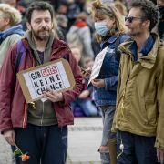 Gericht kippt Verbot von Corona-Leugner-Demonstration (Foto)