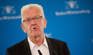 Baden-Württembergs Ministerpräsident Winfried Kretschmann blieb bei dem schweren Autounfall offenbar unverletzt. (Foto)