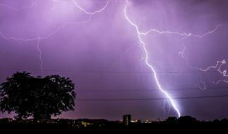 Vom meteorologischen Herbstbeginn am 1. September unbeeindruckt meldet sich der Sommer in Deutschland zurück - jedoch mit Unwettern im Schlepptau. (Foto)