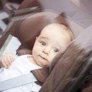 Stundenlange Qual! Baby stirbt im überhitzten Auto (Foto)
