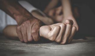 Ein Mann vergewaltigte ein Mädchen 5 Jahre lang. (Foto)
