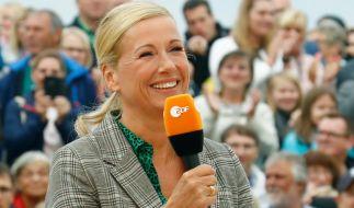 """Andrea Kiewel musste im """"Fernsehgarten"""" einen Escape-Room meistern. (Foto)"""