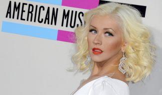 Christina Aguilera lässt beherzt zugreifen. (Foto)