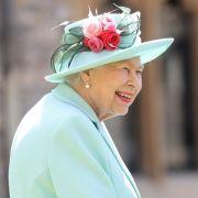 Queen kehrt nicht nach London zurück! Dankt sie nun ab? (Foto)