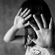 Mann prügelt Tochter (3) seiner Freundin zu Tode (Foto)