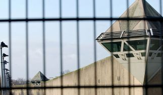 Ein Mafia-Boss hat einem Gefängnis-Wärter einen Finger abgebissen. (Foto)