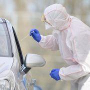 Knapp 1.900 Neuinfektionen - Zahl der Corona-Tests sinkt weiter (Foto)