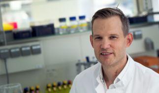 Für seinen sorglosen Umgang mit der Corona-Pandemie erntete der Virologe Hendrik Streeck einen Shitstorm auf Twitter. Auch Kollegen vom Fach widersprachen ihm, darunter Harvard-Epidemiologe Karl Lauterbach. (Foto)