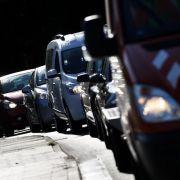 Stau-Alarm trotz Ferienende! Auf DIESEN Routen droht Chaos (Foto)