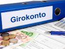 Die Commerzbank schafft ihr kostenloses Girokonto. (Foto)
