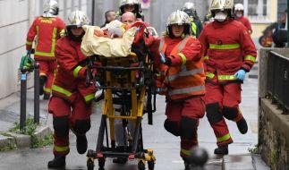 In der französischen Hauptstadt Paris sind mindestens zwei Menschen bei einer offenbar terroristisch motivierten Messer-Attacke verletzt worden. (Foto)