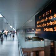 Hier bleiben heute Busse und Bahnen stehen (Foto)