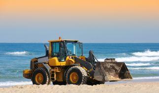 An einem Strand in Kalifornien wurde eine Frau von einem Traktor zu Tode gefahren. (Foto)
