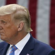 Atemprobleme bei Donald Trump // Alarmstufe Rot! Warnung vor Extrem-Föhnsturm // Star-DJ tot (Foto)