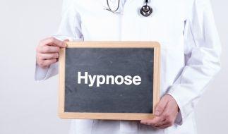 Ein Hypnose-Arzt soll sich in seiner Praxis an seinen Patienten vergangen haben. (Foto)