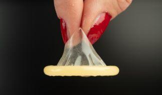 Ein Mann durchlöcherte ein Kondom und verheimlichte es seiner Freundin. (Symbolfoto) (Foto)