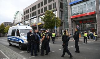 In Berlin-Köpenick soll ein Mann eine Postbankfiliale überfallen haben. (Foto)