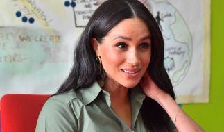 Herzogin Meghan Markle blamierte sich im US-amerikanischen TV mit einer fadenscheinigen Geste. (Foto)