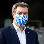 Angesichts steigender Corona-Zahlen fordert Bayerns Ministerpräsident Söder höhere Strafen für Maskenverweigerer.