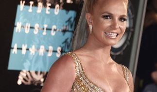 Britney Spears entsetzt Fans mit ihrem verführerischen Look. (Foto)
