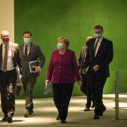 """Beherbergungsverbot für Coronaleugner!"" Twitter feiert Merkel (Foto)"