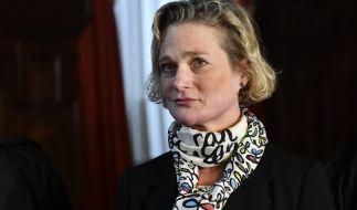 Delphine Boël stritt lange darum, offiziell als leibliche Tochter des früheren belgischen Königs Albert II. anerkannt zu werden. Nun hat sie erstmals ihren Halbbruder König Philippe getroffen. (Foto)