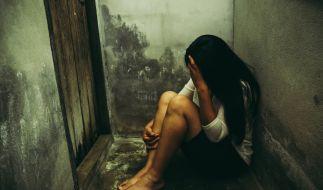 In Indien wurde eine 17-Jährige 22 Tage lang auf einer Geflügelfarm festgehalten und von Männern vergewaltigt. (Foto)
